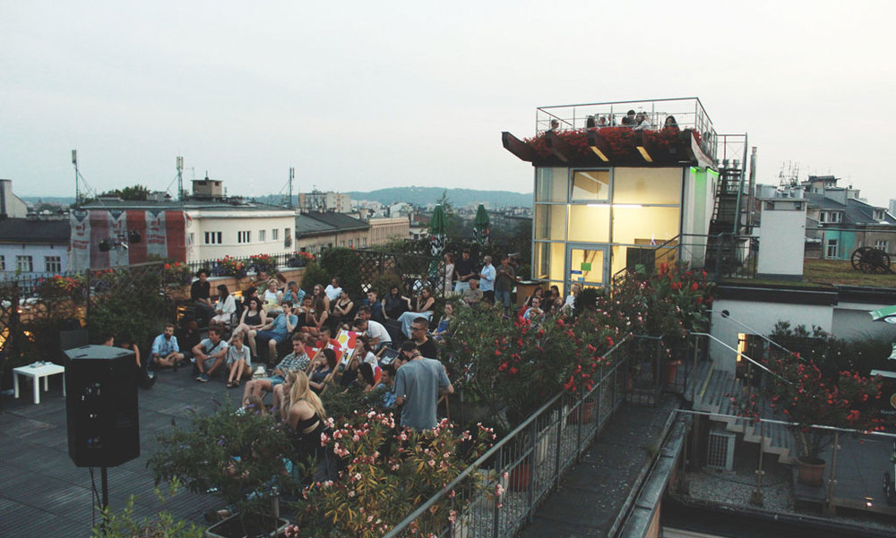 A Sofar performance on a rooftop - image via sofarsounds.com.