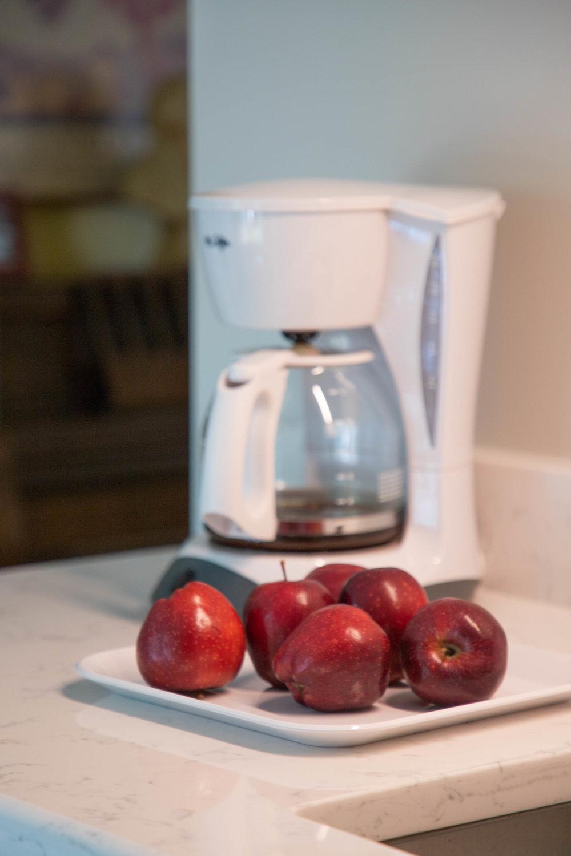 kitchen-apples-1.jpg