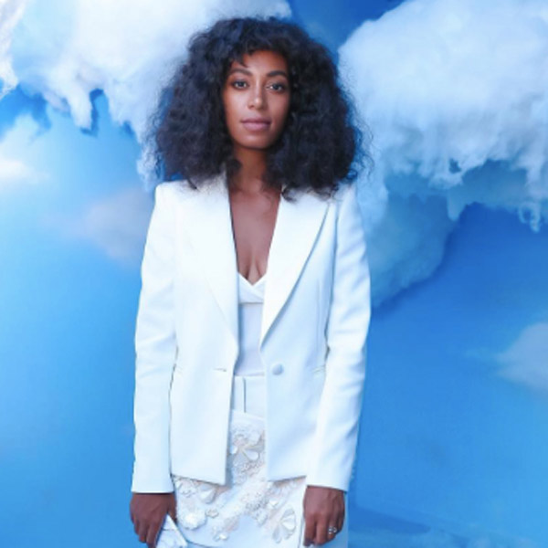 solange-micro-bangs-curly-hairstyles_.jpg