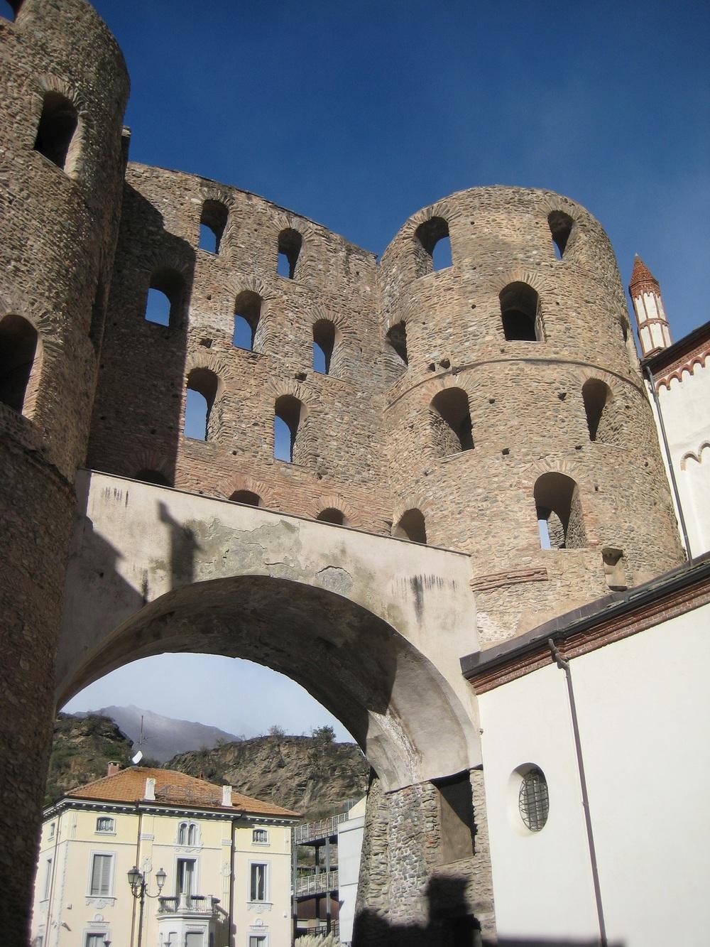 Susa, Roman Gate