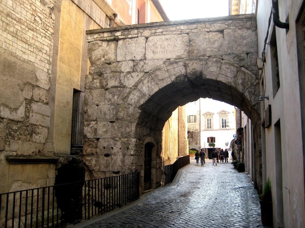 Arch of Drusus, Spoleto