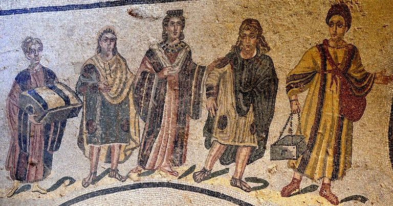 A wealthy Roman lady goes to the baths. Her two female slaves carry boxes of oils and lotions, and towels. The two male attendants might also be slaves - based on their 'barbarian' hairstyles - or perhaps even eunuchs. Mosaic from the Villa Romana, Piazza Armerina, Sicily. cAD320