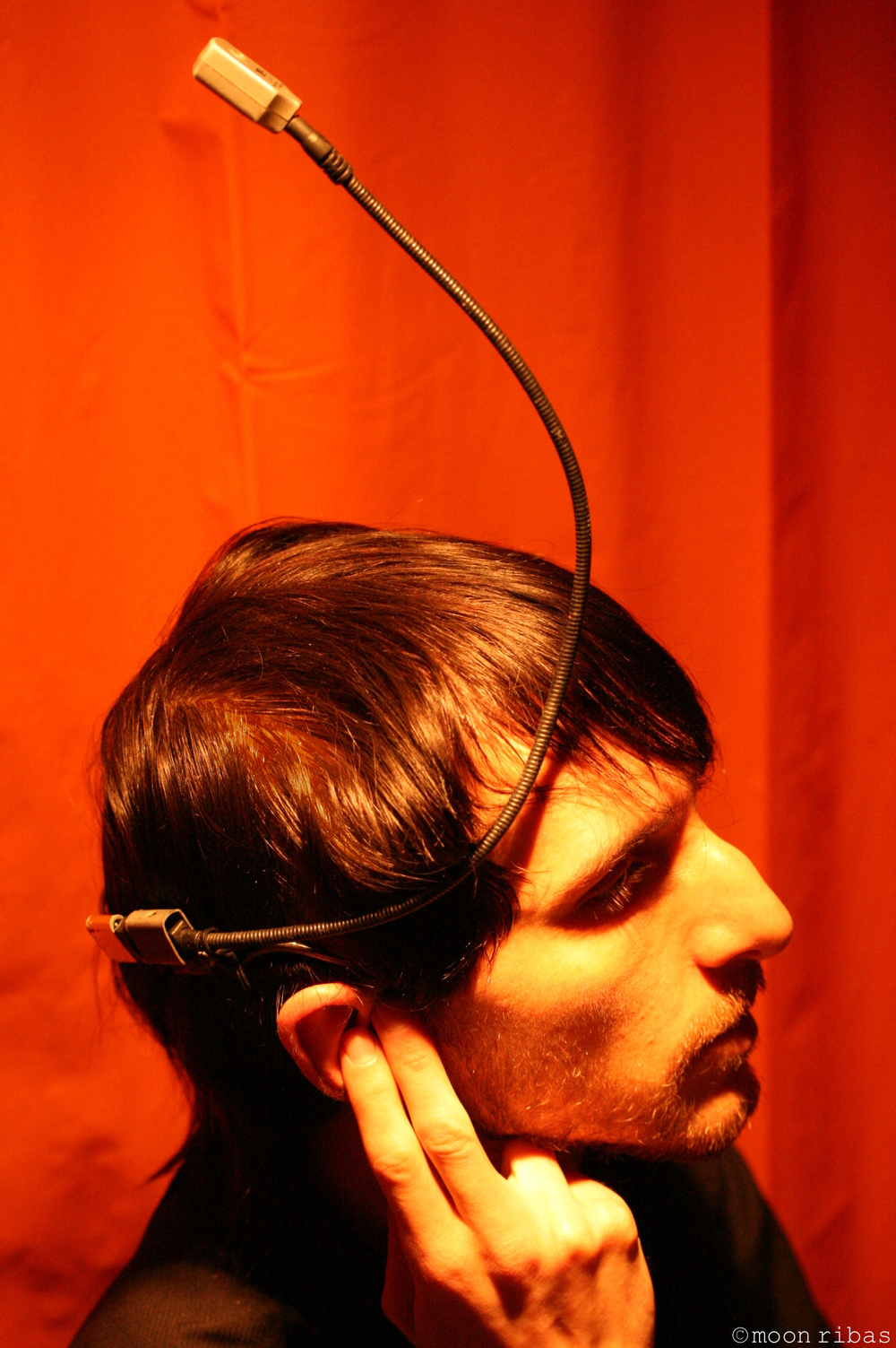Neil Harbisson with his 'eyeborg' implant.  Moon Ribas/Wikipedia Commons (CC BY 3.0)