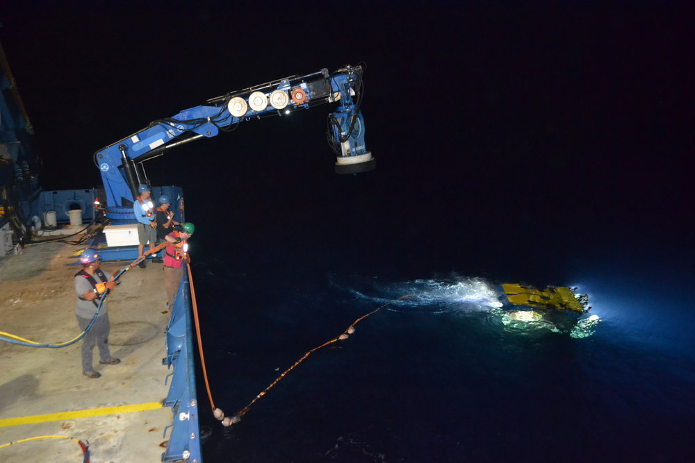 Jason's  ability to remain at depth for lengthy periods of time is an advantage for deep-sea exploratory missions.  © Mitch Elend, University of Washington (used with permission)