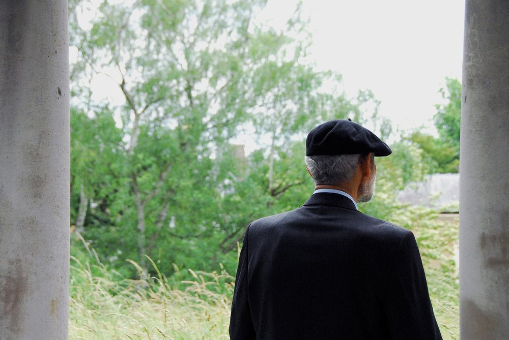 Old age is often perceived as a time of social isolation and loneliness.   Lachrimae72/Pixabay  (CC0)