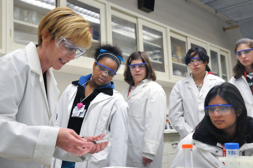 There are known benefits of having a diverse research team, both in terms of sex, as well as multiculturalism.   Argonne National Laboratory/Wikimedia  (CC BY-SA 2.0)