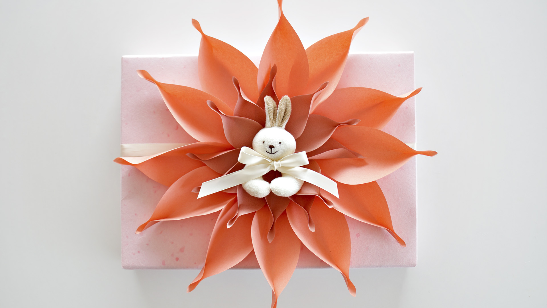 How to make a large paper flower design for your baby themed gift how to make a large paper flower design for your baby themed gift wrapping mightylinksfo