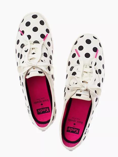 sneakers.png