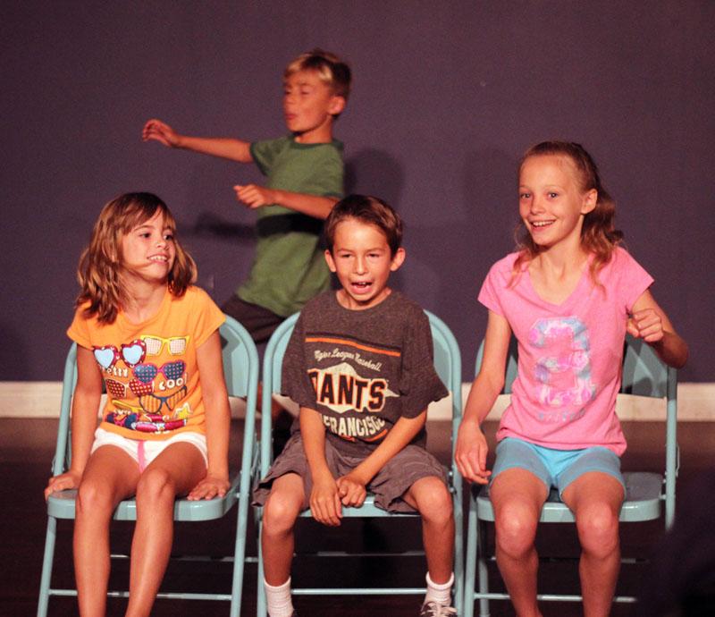 kids improv class.jpg