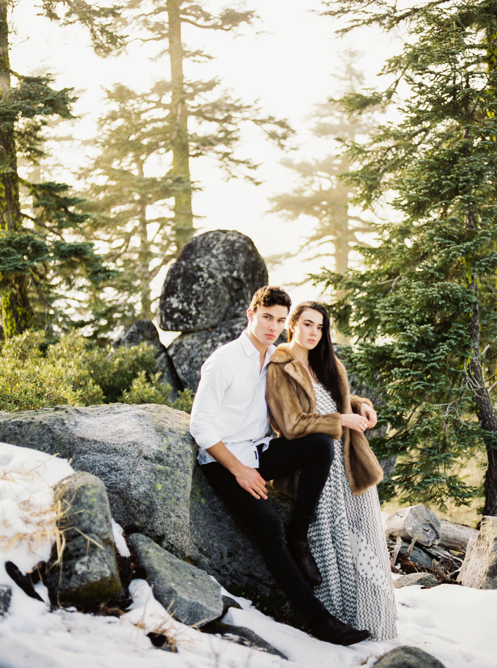 mt ashland engagement photographer