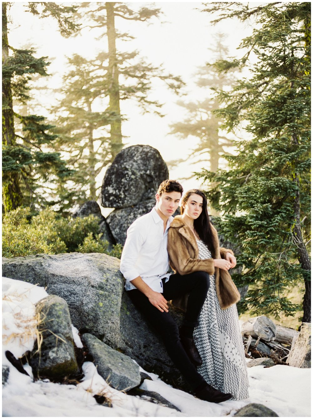 winter engagement session inspiration by juliet ashley photography
