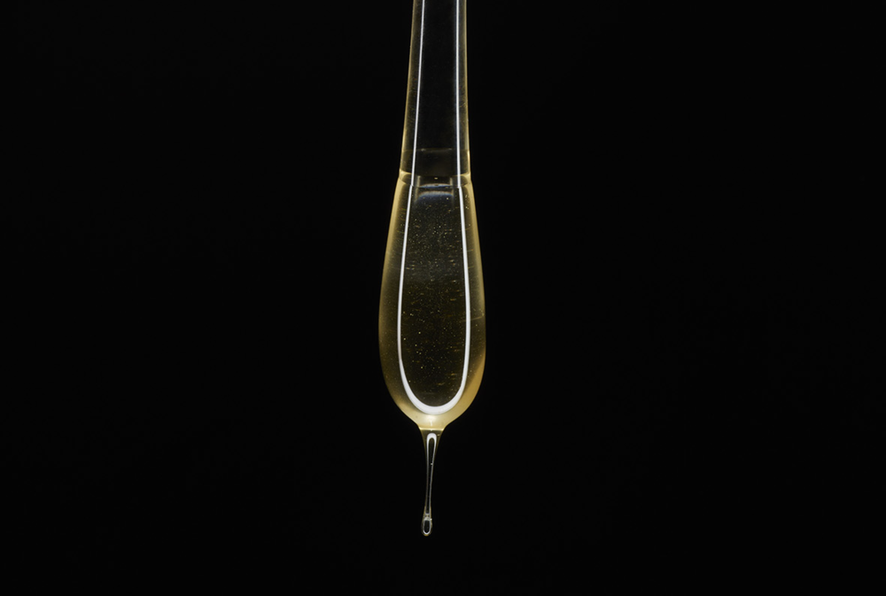 "Glass ""Goûte"" with Honey.  Photo: Orion Dahlmann"