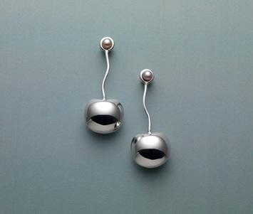 Cherry-Pearl-Earring-2.jpg