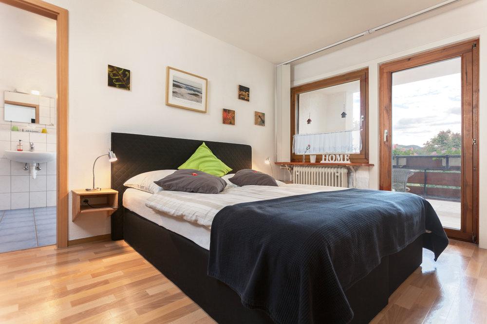 Doppelzimmer mit Balkon und eigenem Bad #1