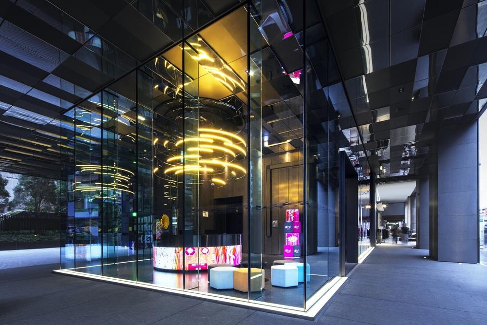 Hotel Lobby (Exterior)