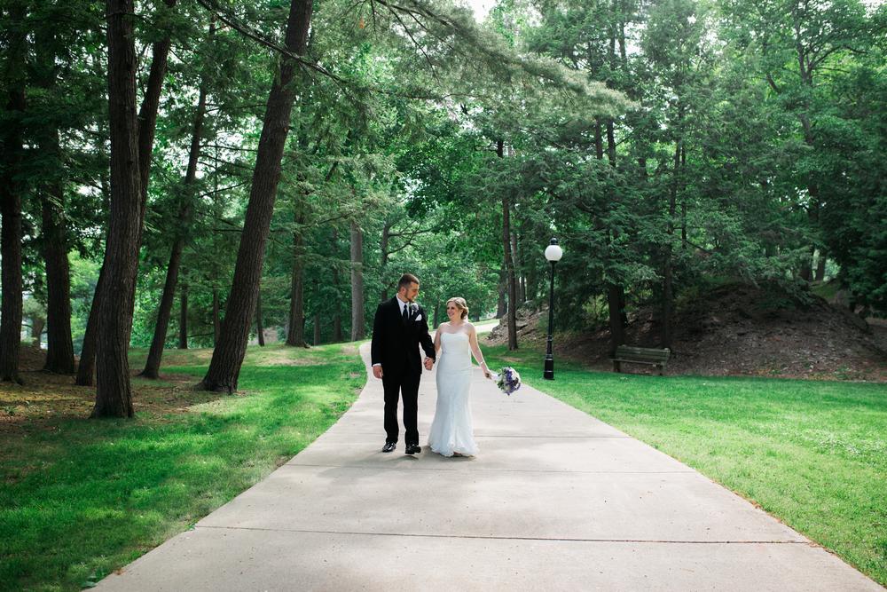 Mr + Mrs Lizewski-203.jpg