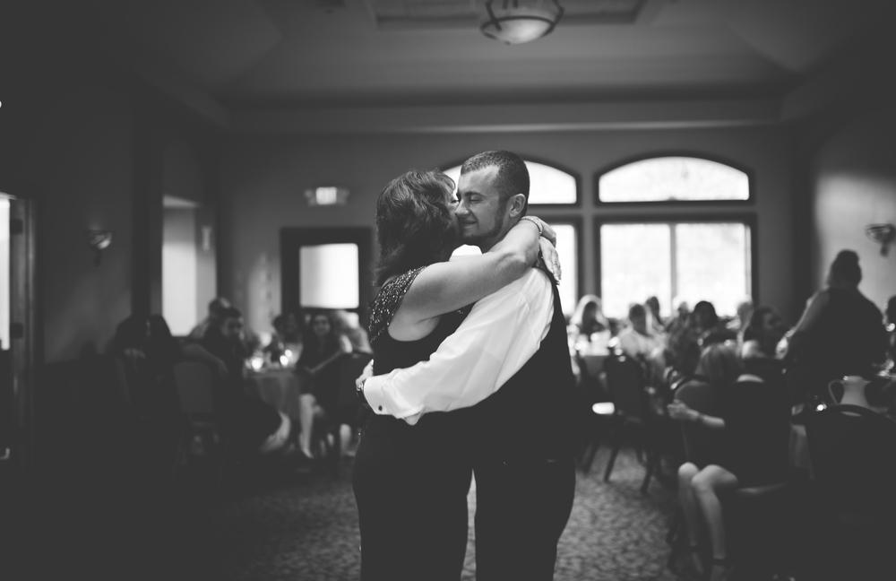 Mr + Mrs Lizewski-414.jpg