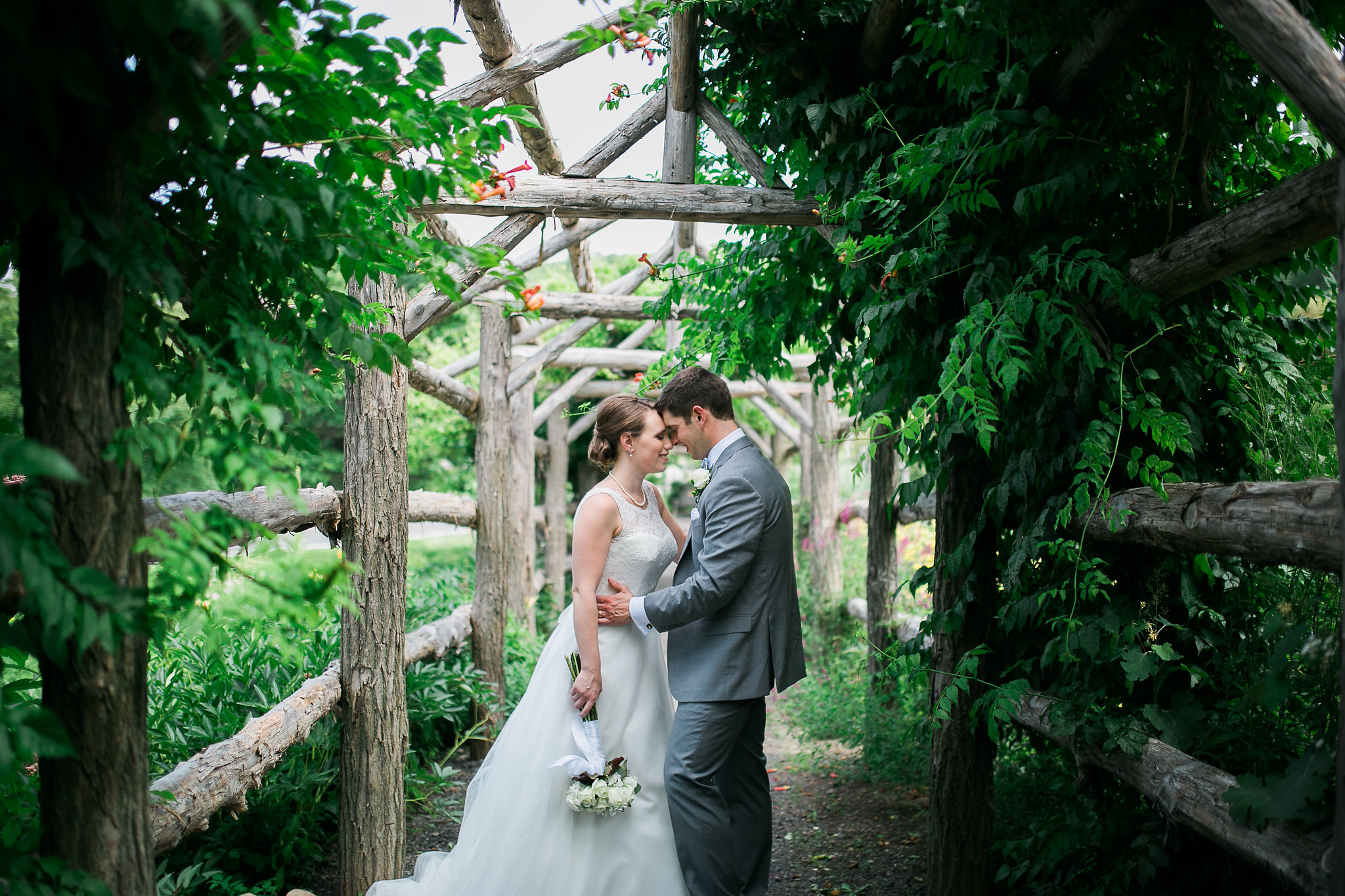 Mr Mrs Fessenden A Mohonk Mountain House Wedding In New Paltz NY