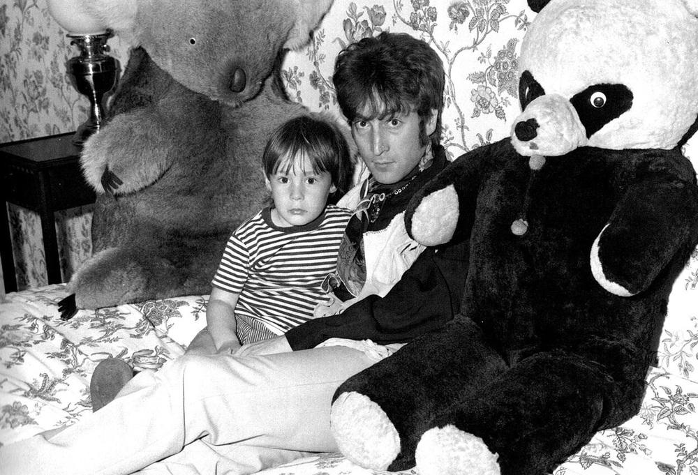 John and Julian Lennon, 1967.
