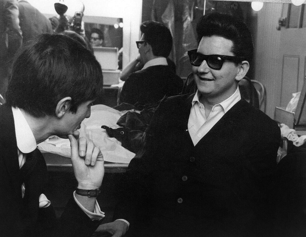 George Harrison meeting Roy Orbison in the UK, 1963.
