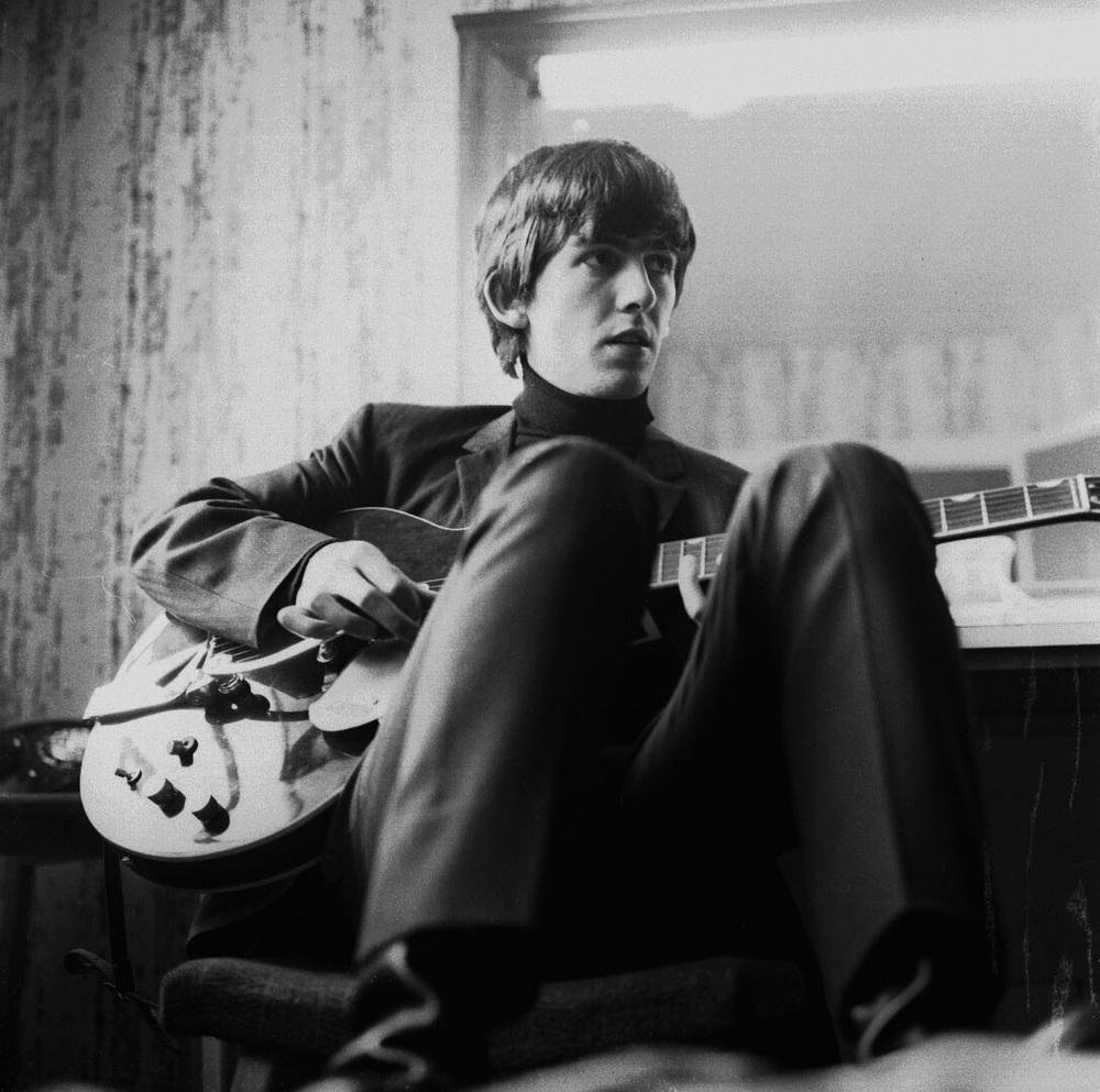 George Harrison backstage 1964.
