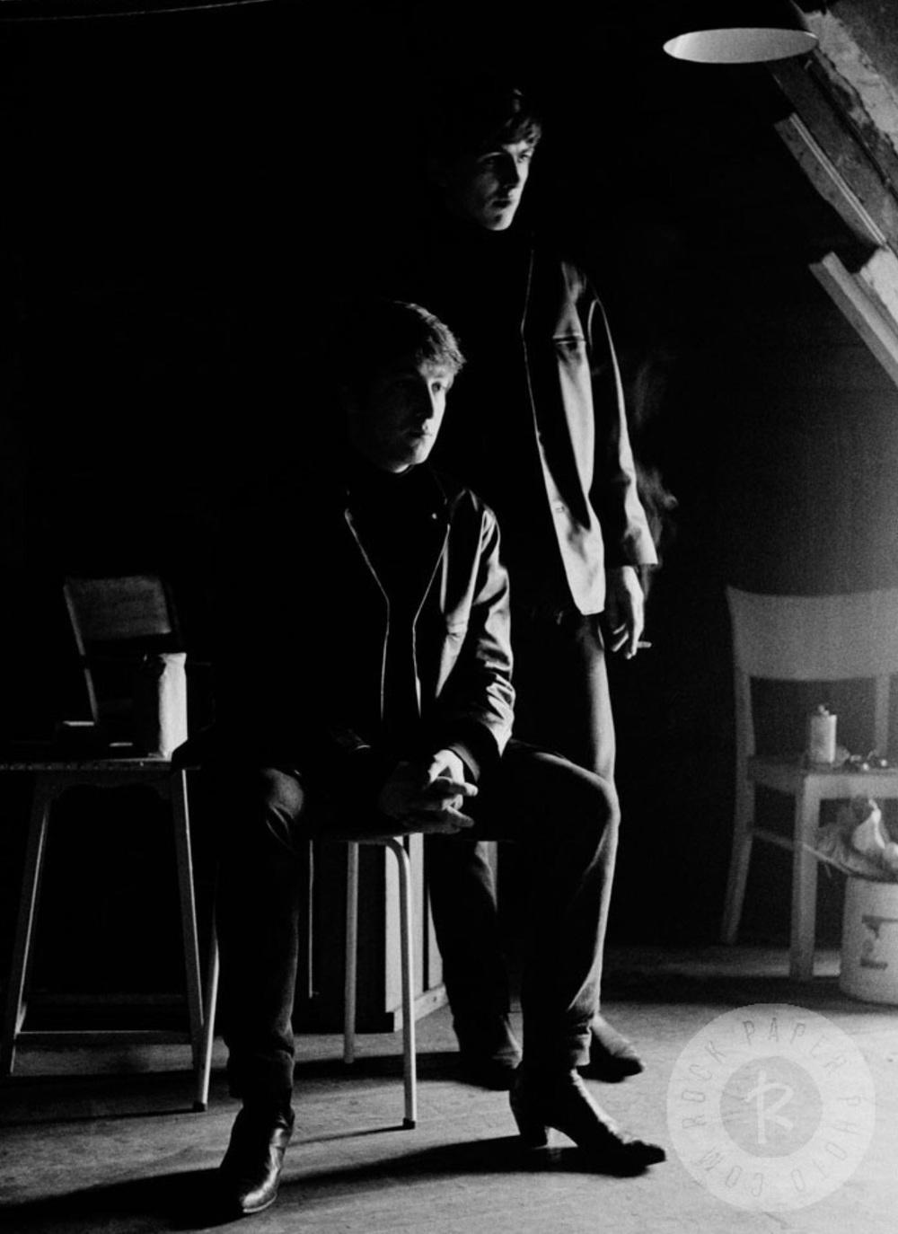 John Lennon and George Harrison in Hamburg, 1962.Photo by Astrid Kirchherr.