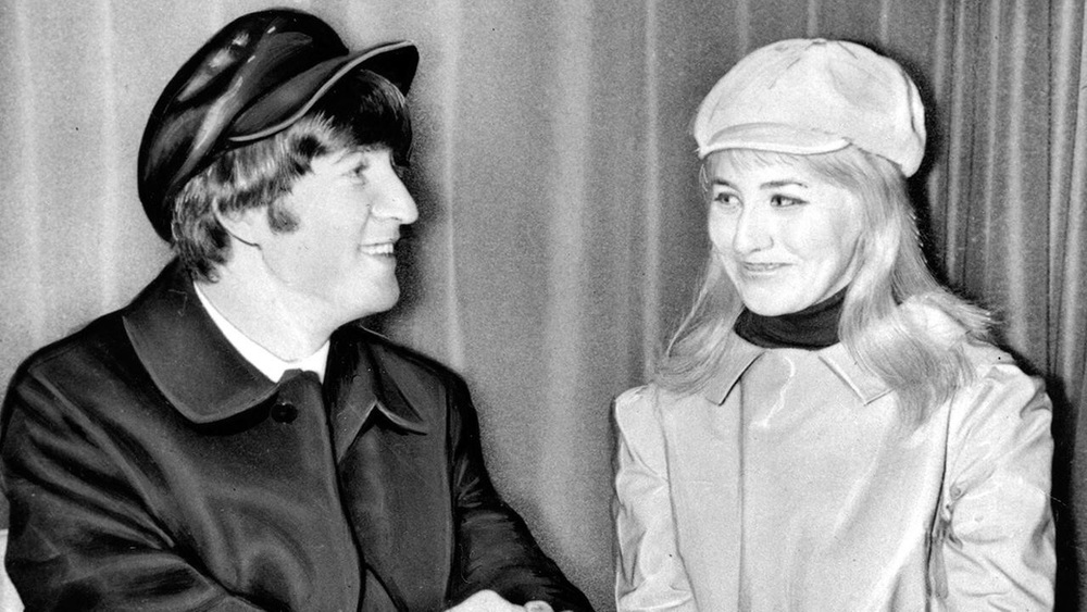 John and Cynthia Lennon in America, 1964.