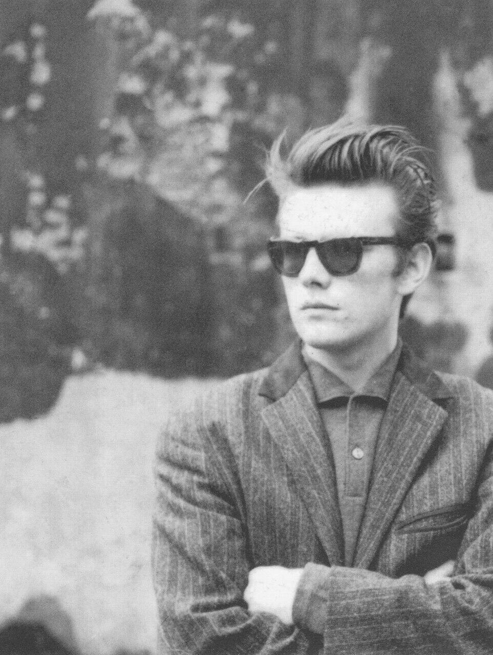 Beatles' bassist Stuart Sutcliffe — Beatles By Day