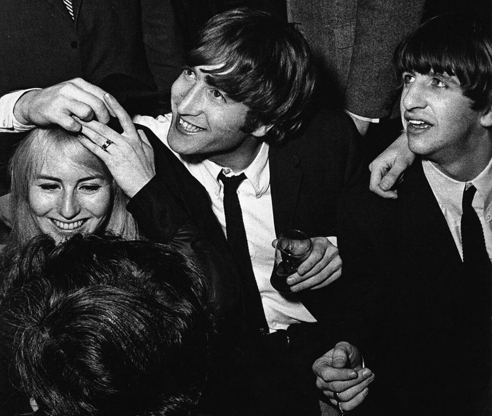 John and Cynthia Lennon with Ringo, 1964.