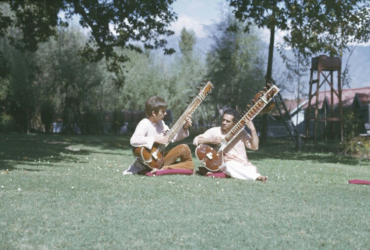 George Harrison and Ravi Shankar practising sitar in India, 1966.