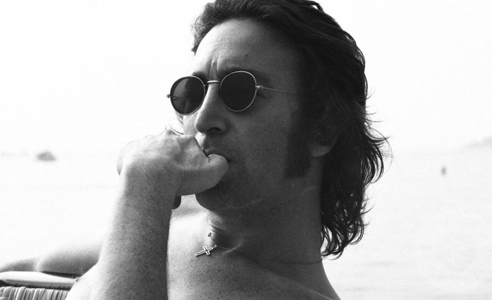 John Lennon, 1974. Photo by May Pang.