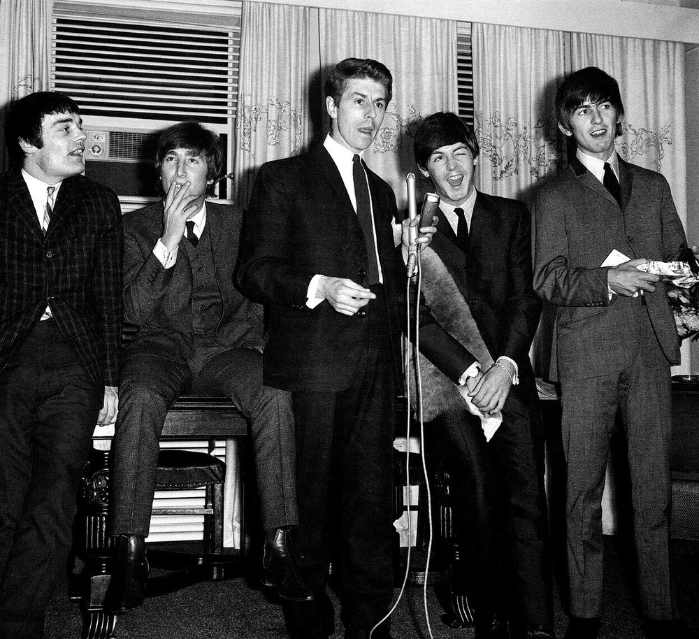 The Beatles with Jimmie Nicol and press officer Derek Taylor, 1964.