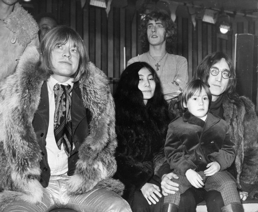 Brian Jones, Yoko Ono, Roger Daltrey, John and Julian Lennon, 1968.