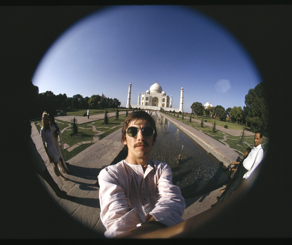 George Harrison selfie in India, 1966.