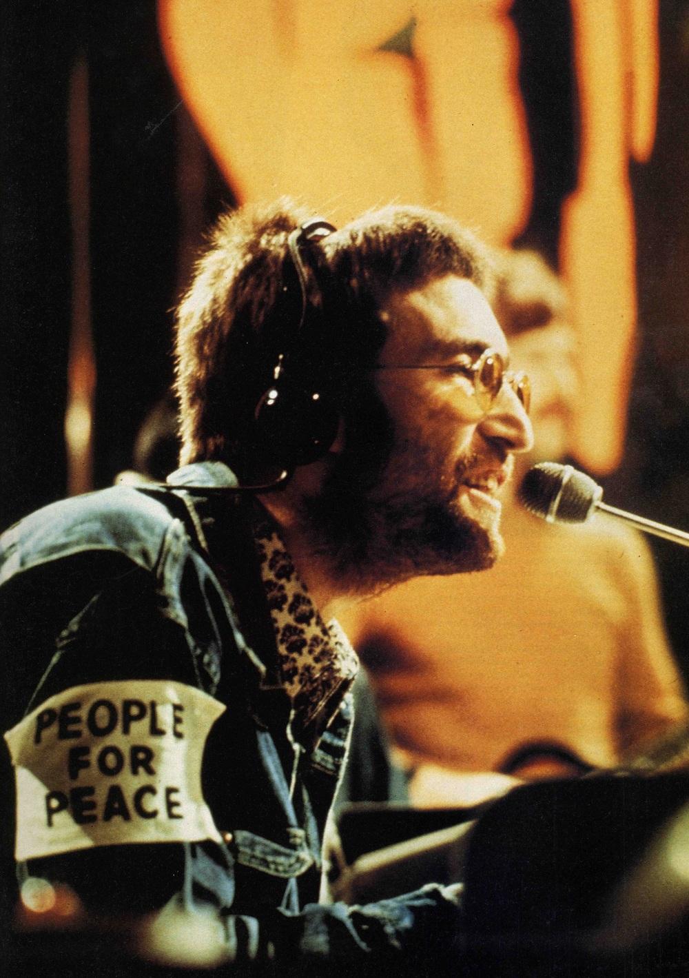 John Lennon performing Instant Karma, 1970.