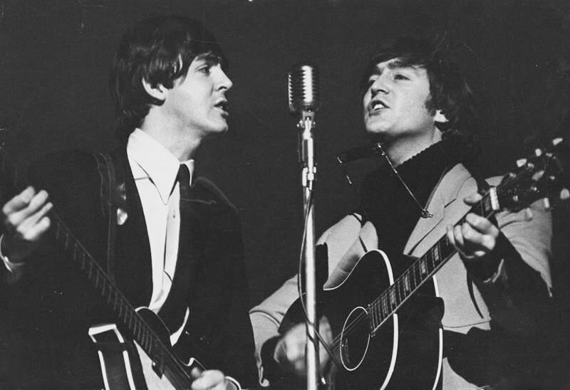 John he Lennon and Paul McCartney live 1965.