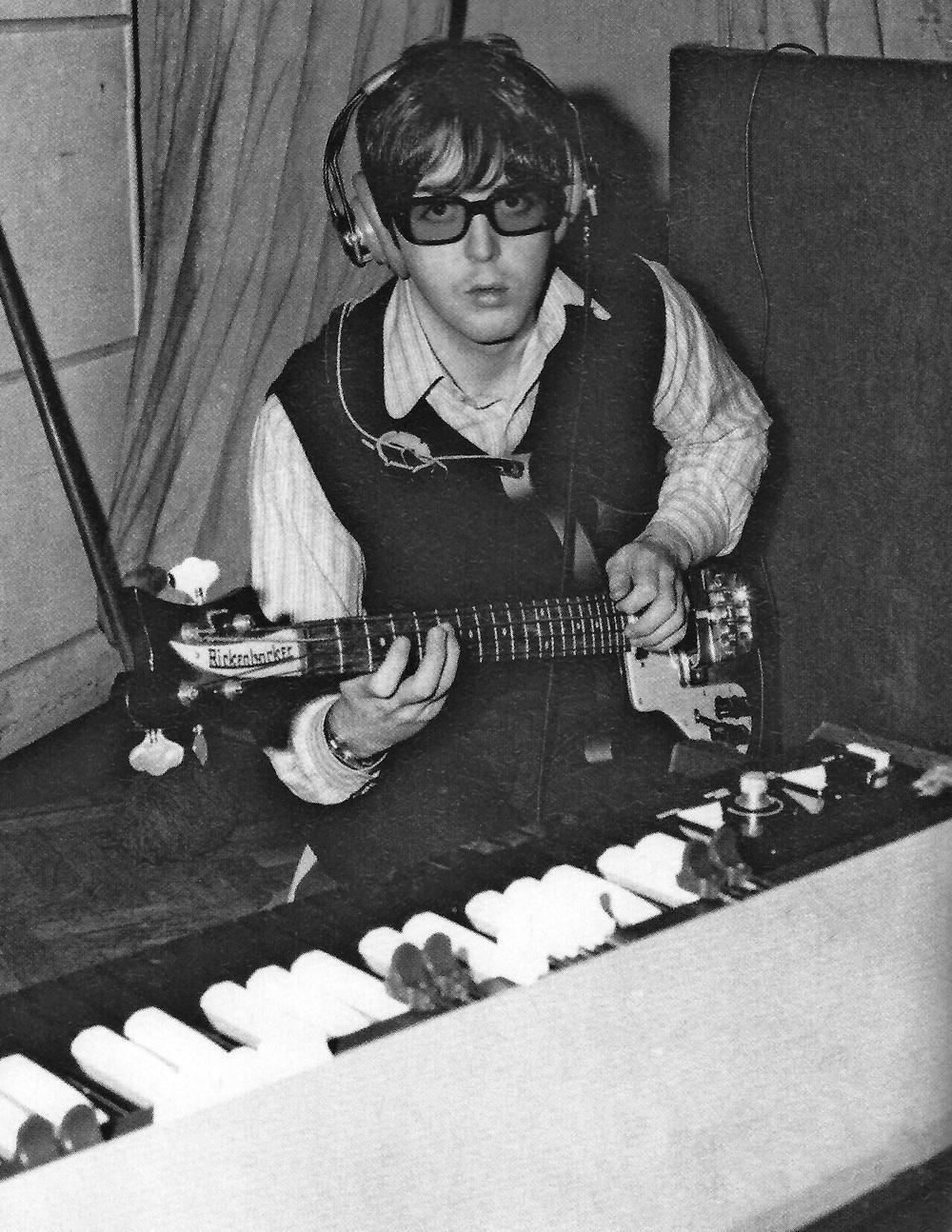 Paul McCartney, 1966.