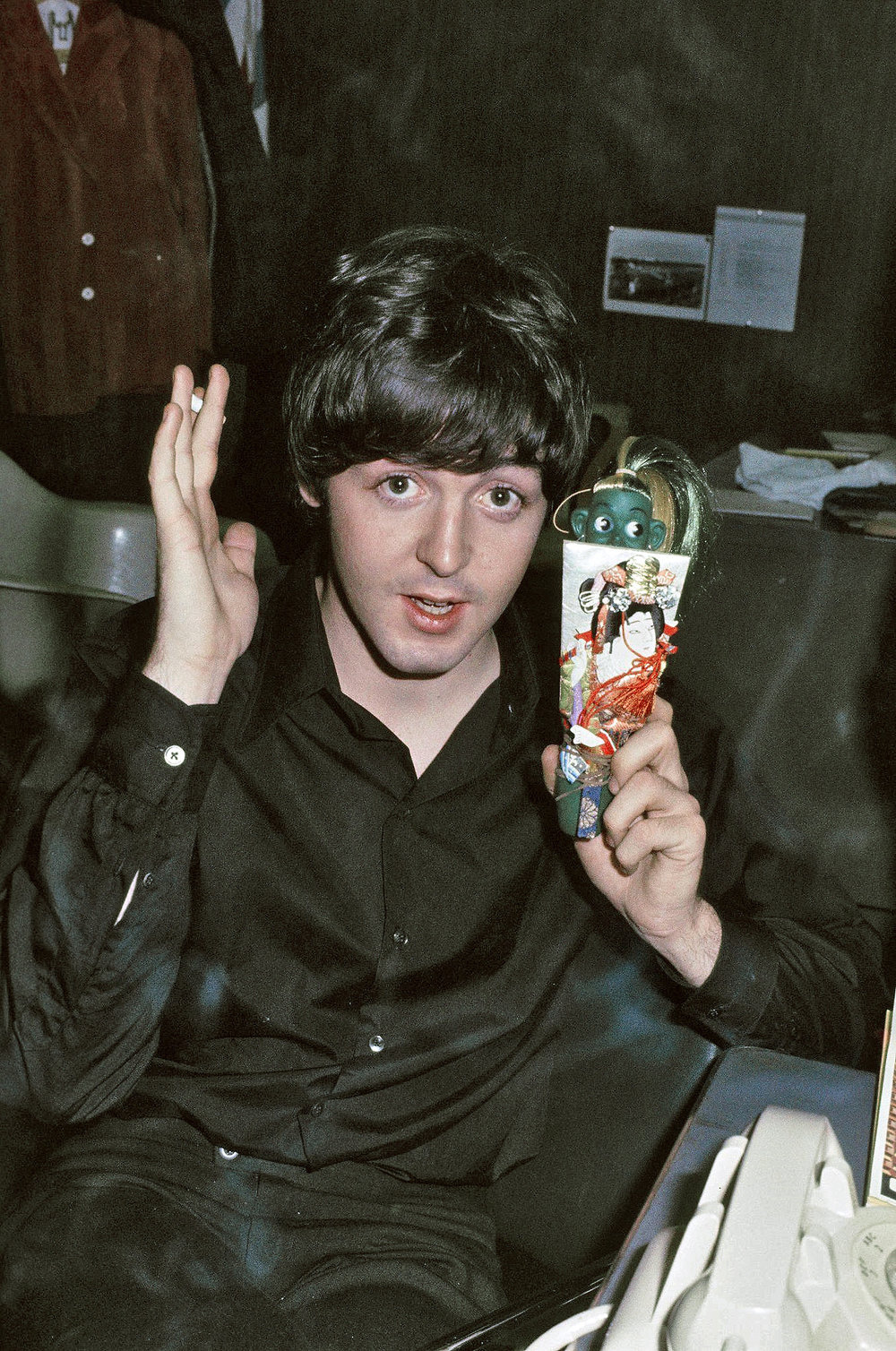 Paul McCartney in the Presidential Suite of the Tokyo Hilton, June 1966.