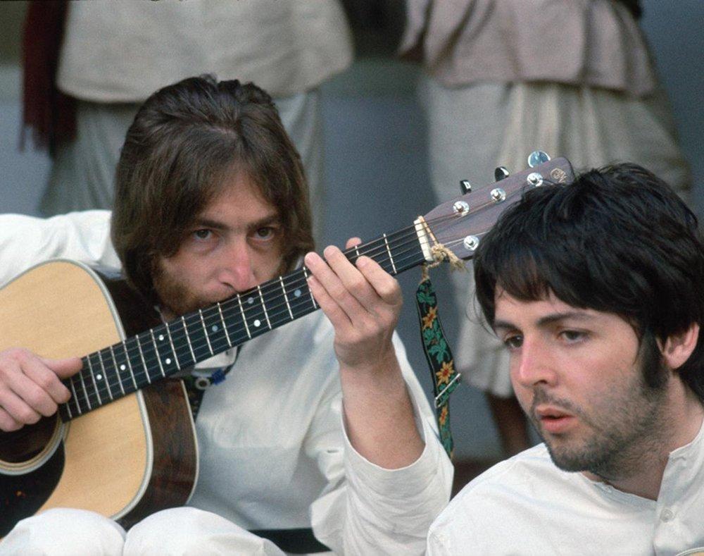 Paul McCartney and John Lennon in India 1968.
