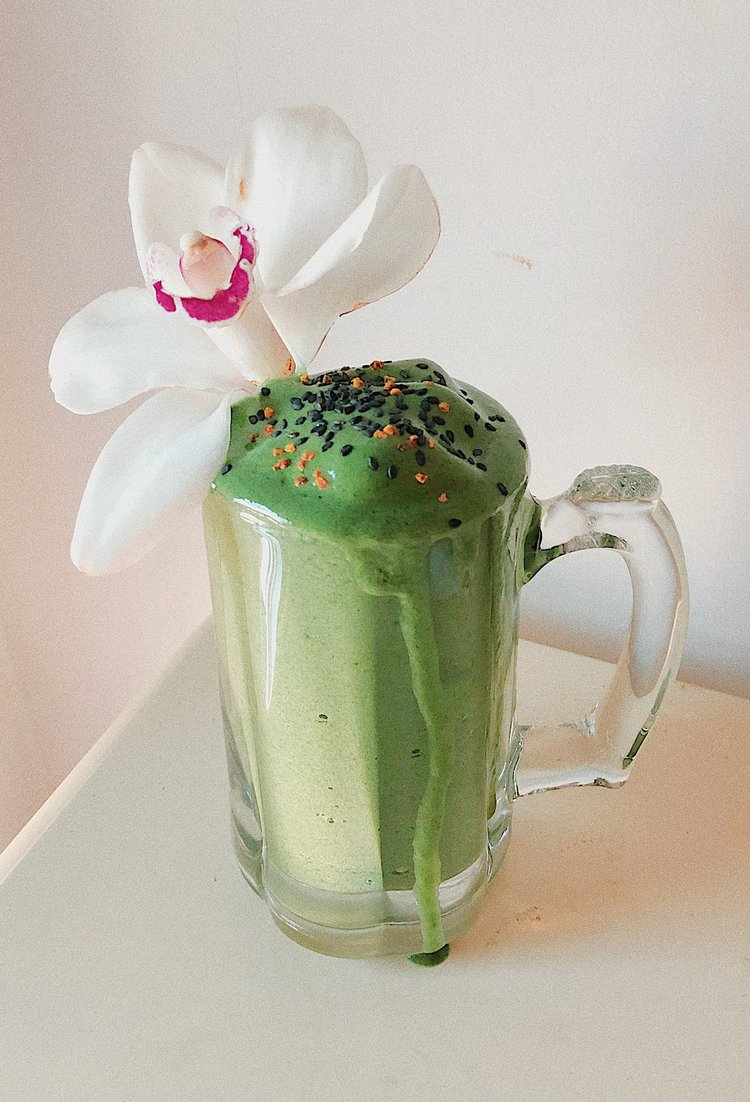 TROPICAL SPIRULINA SMOOTHIE -