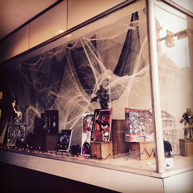 The first window display at FOURCORNERS