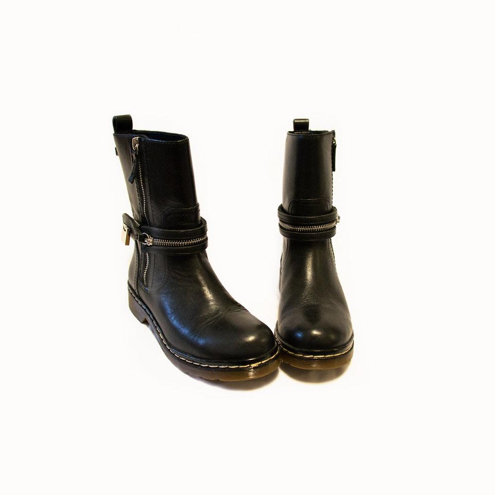 black buckle boots.jpg