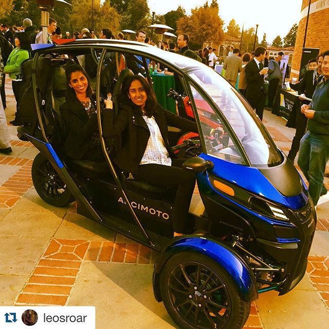 #Repost @leosroar with @repostapp. ・・・ Photo-op #AndersonCES #ces2016 @arcimoto