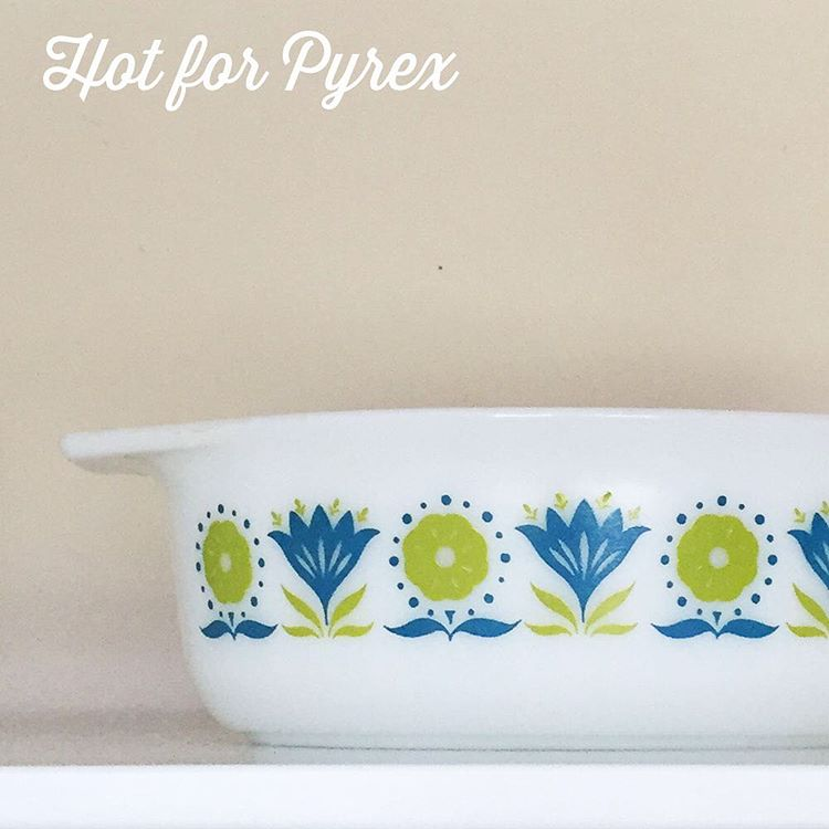 Day 99 of 100 - Only one more day of Pyrex to go!  This 043 is a bit of a mystery.  The colors are almost neon in tone.  Whenever I see this dish it makes me think of spring.  #love #pyrexmoments #pyrexmystery #pyrexporn #pyrexlove #100hfp #pyrex #pyrexia #pyrexpassion