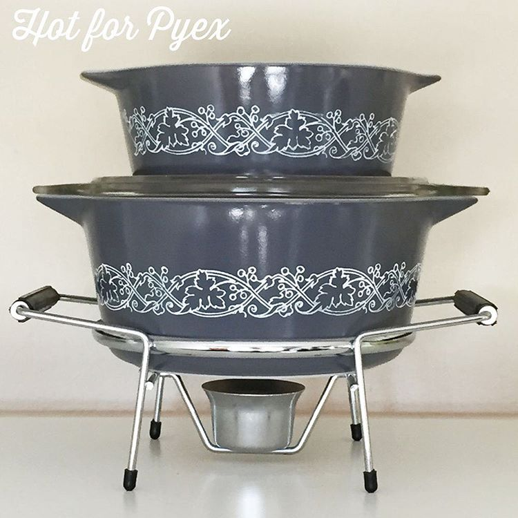 Day 91 of 100 - In my opinion, there just isn't enough grey Pyrex out there. There was only one a few grey pieces of American Pyrex produced.  Luckily, JAJ produced the Classics pattern in 1964 and filled that void.  #hotforpyrex #htfpyrex #love #pyrexlove #100hfp #pyrex100 #pyrex #pyrexia #pyrexpassion #pyrexporn