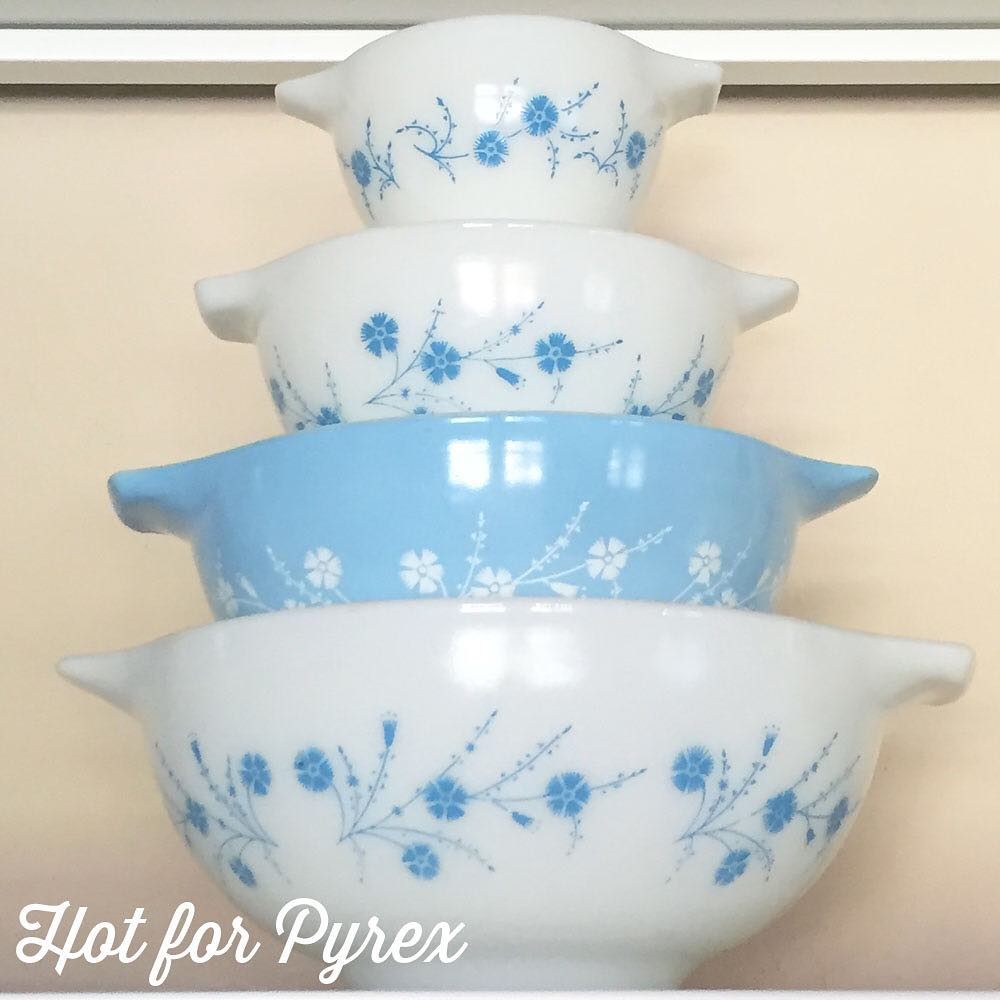 Day 69 of 100 - The last of my blue dianthus series - Cinderella mixing bowls. I still need the 444 to complete my set, but I am one bowl closer thanks to a fellow collector. #pyrex100 #100hfp #pyrexaddict #hotforpyrex #pyrexporn #rarepyrex #rarepyrex #pyrexproblems #pyrexlove #love #pyrexpassion #htfpyrex
