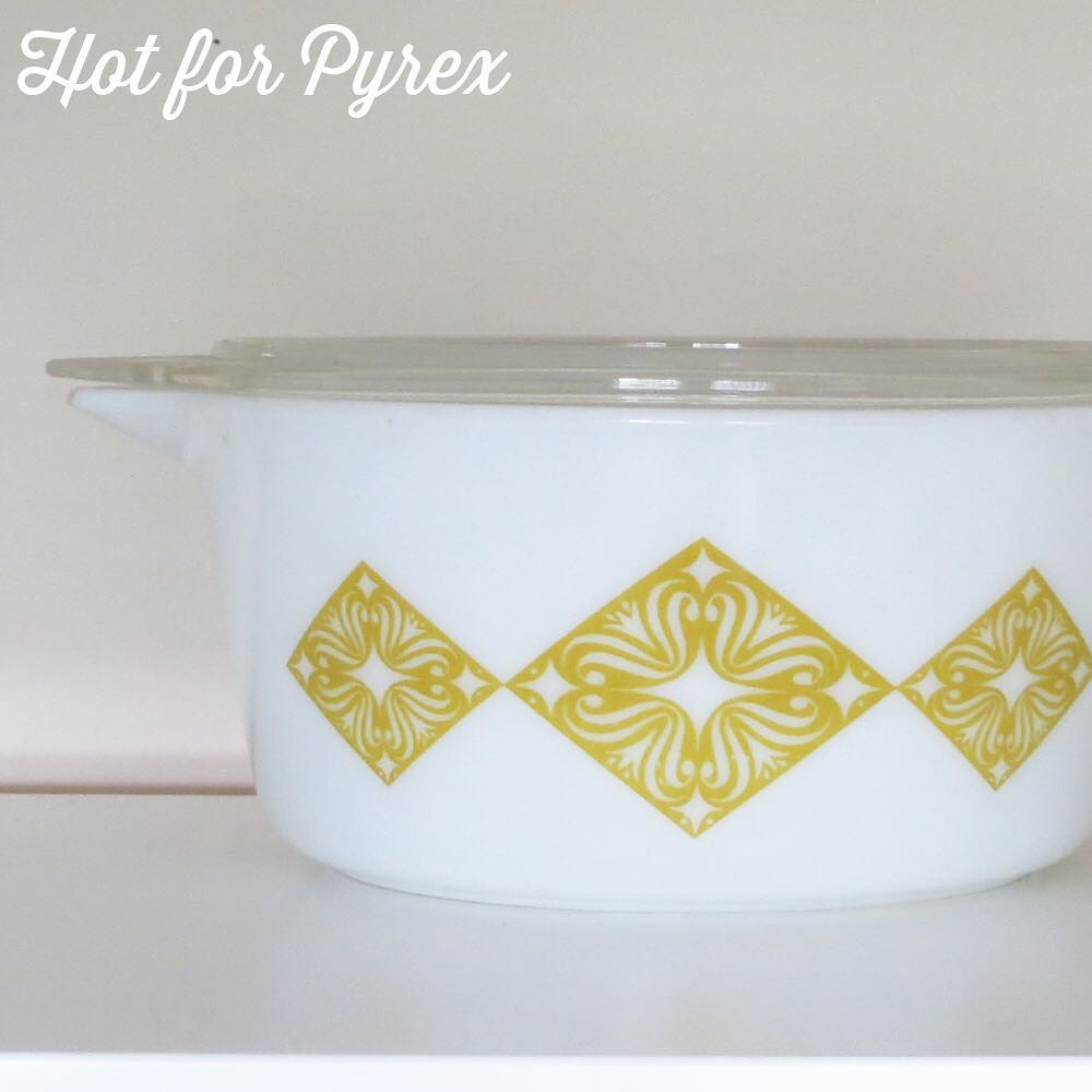 Day 27 of 100 - This is one of those patterns that I wish I knew the story behind - who was the designer?  How did they come up with this amazing design?  This dish did not make it into the book due to a last minute picture reshuffle, but it is definitely a rare piece of pyrex with a backstory.  #100hfp #hotforpyrex #htfpyrex #pyrexaddict #vintagepyrex #love #rarepyrex #pyrexlove #celestial #cmog