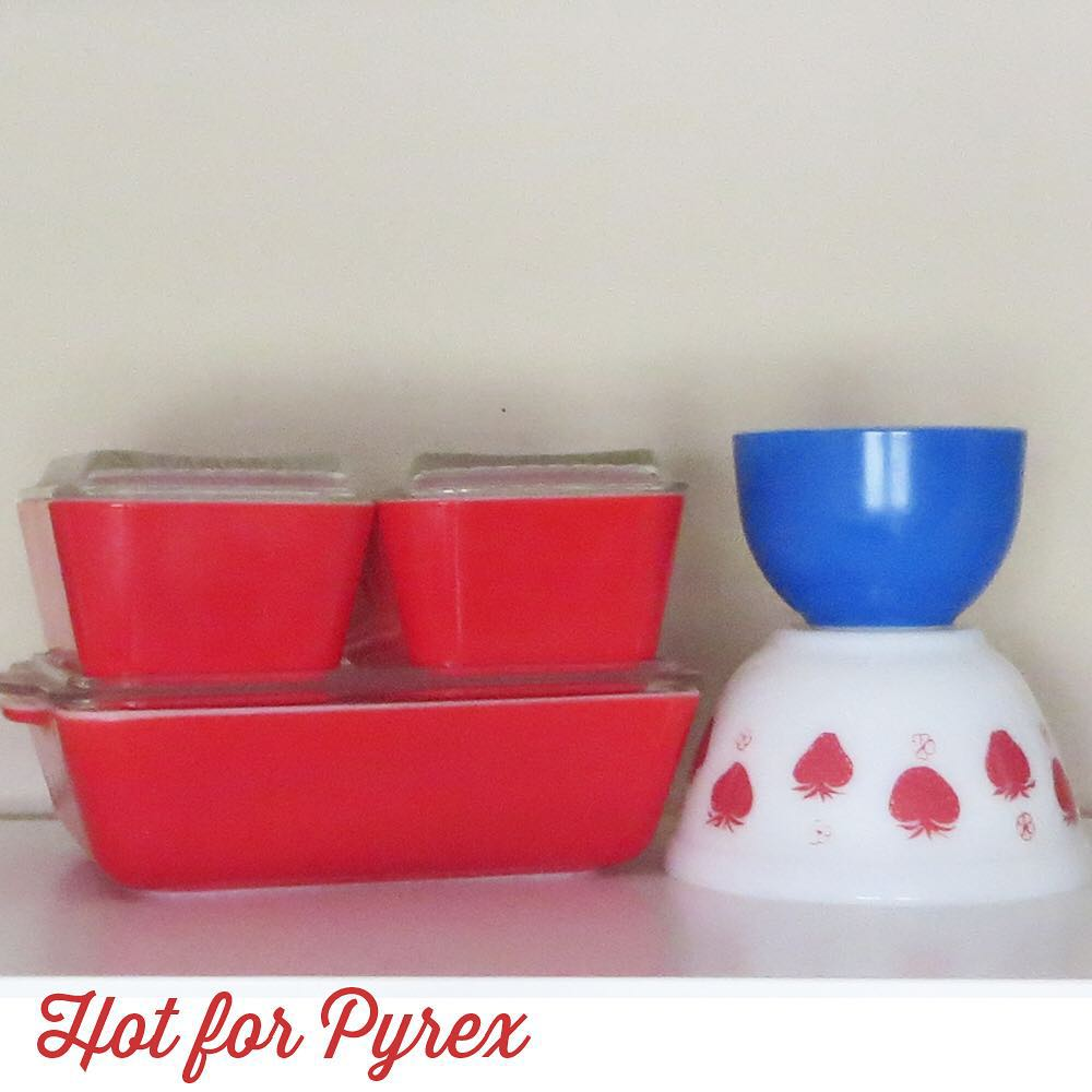 Day 20 of 100 - Happy 4th of July!  Here a few of my favorite red, white, & blue pieces.  #100hfp #hotforpyrex #rarepyrex #htfpyrex #pyrexaddict #vintagepyrex #love #cmog #pyrexlove
