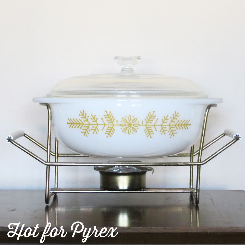 Day 18 of 100 - It's time for a little Christmas in July!  The more common version of this piece has a blue pattern, but a mustard/goldenrod was chosen for this version. #pyrexmystery #100hfp #hotforpyrex #rarepyrex #htfpyrex #pyrexaddict #vintagepyrex #love #cmog #pyrexlove