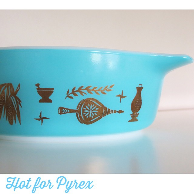 Day 6 of 100 - Turquoise Early American casserole. I was never a huge fan of the brown and gold version, but there is something really special about this color combo. #100hfp #hotforpyrex #htfpyrex #pyrexlove #pyrexaddict #vintagepyrex #cmog #love